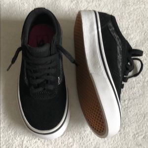 New Vans 11.5 toddler cute!